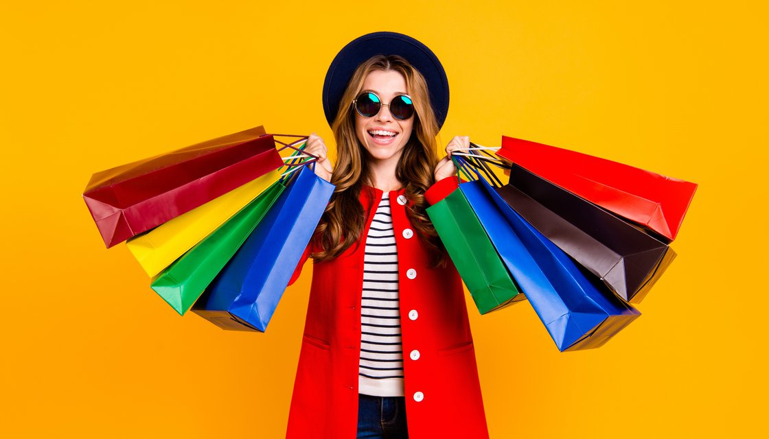 iStock-1060838314_Instagram_Shopping_klein_bearb.jpg